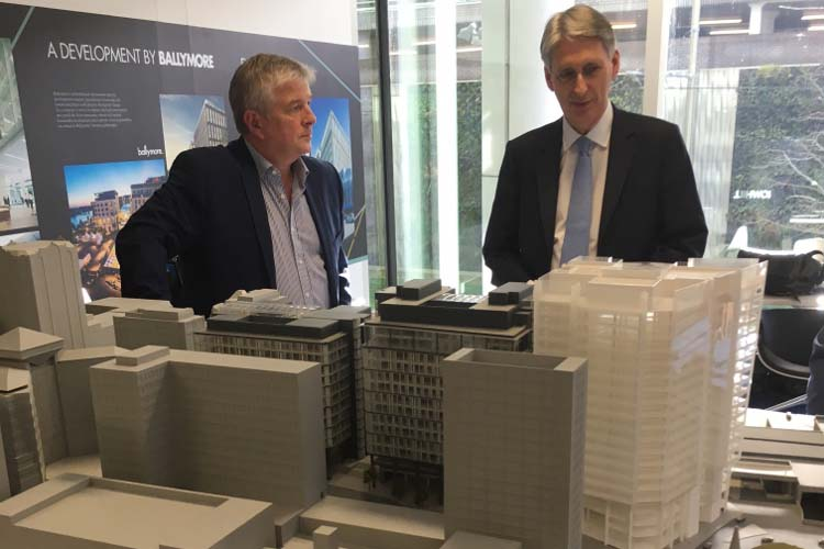 Hammond visits three snowhill